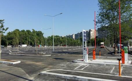 Parcarea din Parcul Tineretului, aproape finalizată, deşi lucrările ar fi trebuit întrerupte