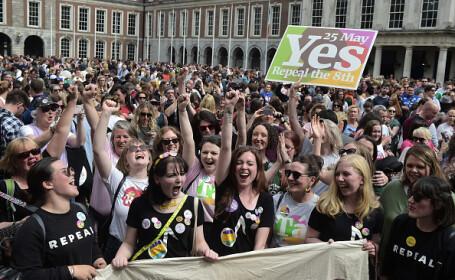 Irlandezii au sărbătorit rezultatul referendumului care legalizează avortul