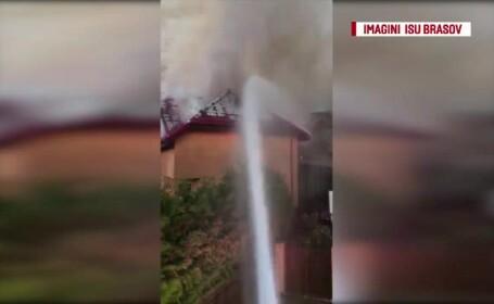 Incendiu puternic într-un cartier de vile din Brașov