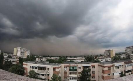Fenomen greu de explicat în Craiova. A fost la un pas să se transforme în tornadă