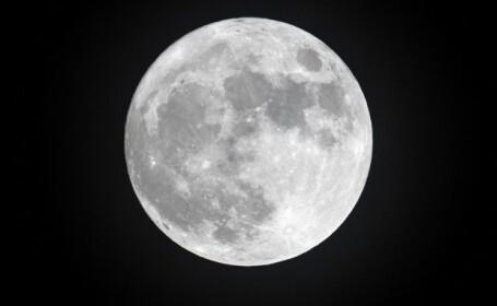 Fenomen misterios. Ce ar putea însemna luminile apărute pe suprafața Lunii