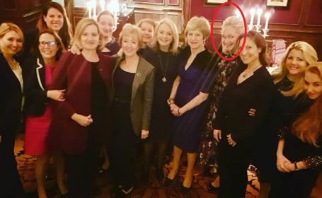Suma uriașă plătită de soția unui oligarh rus ca să participe la o cină cu Theresa May