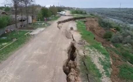 Mii de tone de pământ au luat-o la vale, în Constanța. Oamenii sunt disperați