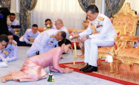 Regele Thailandei, căsătorie cu garda sa de corp. De ce s-a târât mireasa la picioarele lui
