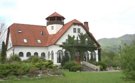 Preţul uimitor al unei nopţi de cazare în castelele din Transilvania. \