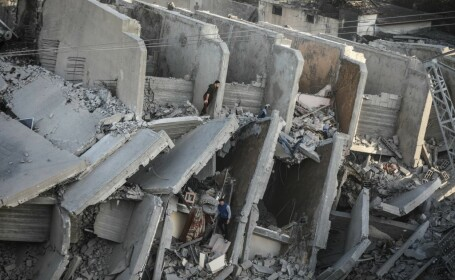 Fasia Gaza, bombardata de Israel - 5