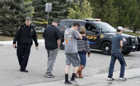 Atac armat în Colorado. Doi elevi au deschis focul într-o școală