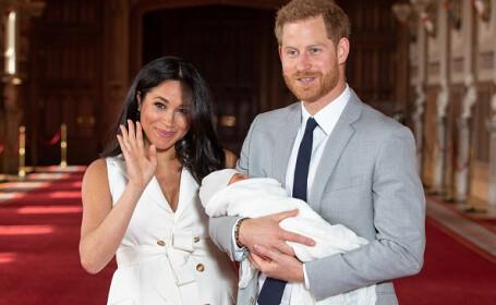 Prinţul Harry şi soţia sa, Meghan, au prezentat lumii primul lor copil