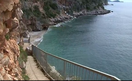 """Autoritățile unei țări europene, nemulțumite că au cea mai frumoasă plajă: """"Ne aduce probleme"""""""