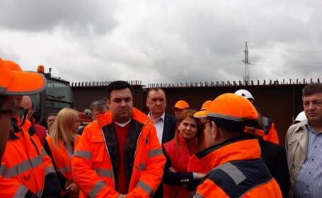 Ministrul Răzvan Cuc, huiduit de șoferi în timp ce se afla în inspecție pe șantier