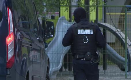 Percheziții la persoane suspectate de trafic de droguri, la Iași