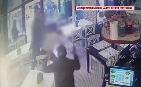 Suporterii a 2 echipe de fotbal s-au luat la bătaie într-un bar din Craiova. VIDEO