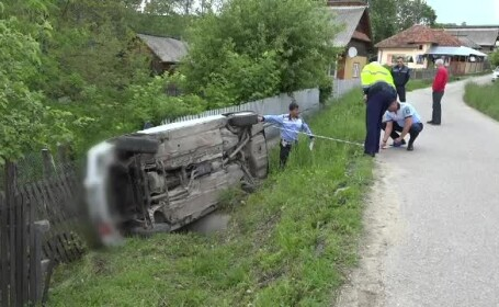 Tânăr din Argeș fără permis, dat pe mâna poliției de părinți, după ce a făcut accident