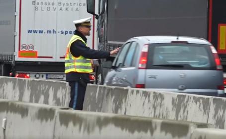 Șoferi dați jos de la volan și obligați să se uite la victima unui accident mortal, în Germania. VIDEO