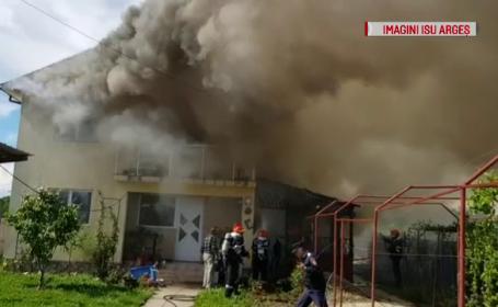 Un apicultor din și-a incendiat din greșeală propria casă.