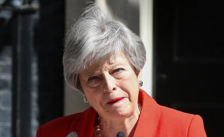 Momentul în care Theresa May izbucnește în lacrimi. Ce urmează după demisia ei