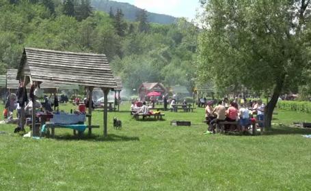 Românii au votat și în vacanța de la munte sau mare: \