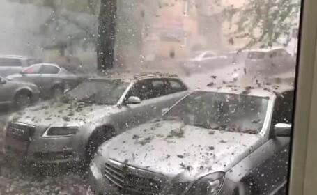 Prăpăd în Sălaj după COD ROȘU de tornadă. Grindina a rănit oameni și a spart parbrize