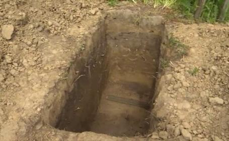 groapa goala in cimitir