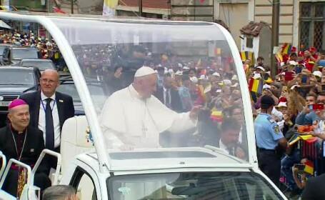 Papa Francisc si papamobil