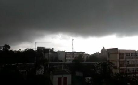 Vreme schimbătoare. Zonele în care sunt anunțate vijelii și ploi