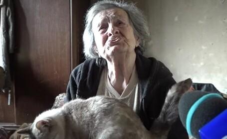 Ajutor nesperat pentru o bătrână căreia o țigară aruncată de un vecin i-a distrus casa