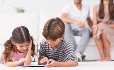 Părinţii pot sta acasă cu copiii și după 15 mai. Ce prevede legea