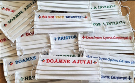 O mănăstire din Dobrogea vinde online măști de protecție cu mesaje creștine. Cât costă una
