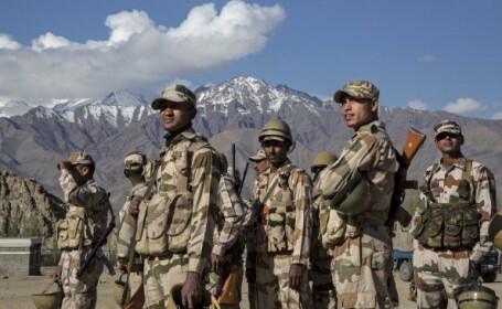 soldati indieni