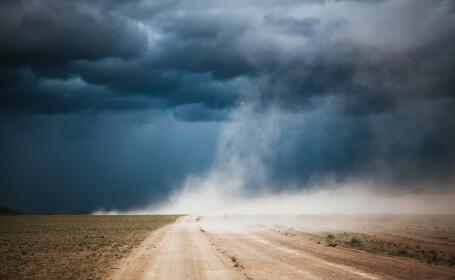 ANM: Un nor de praf saharian va ajunge deasupra României în zilele următoare