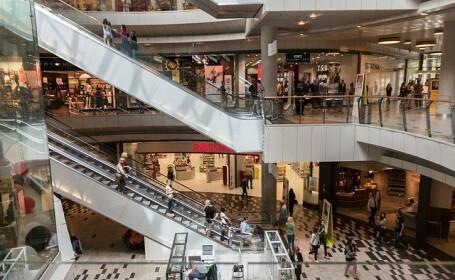 Ministrul Economiei: Vom deschide mall-urile din 15 iunie. Cinematografele rămân închise