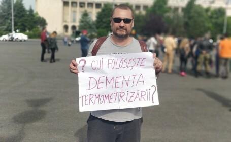 """Protest în Piața Victoriei față de restricțiile impuse de Guvern: """"Imunizare naturală, nu carantină socială"""""""