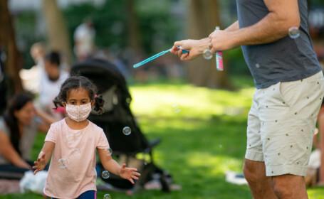 Epidemiologi: Copiii ar putea să nu transmită Covid-19