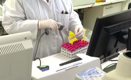 Țara care a început să testeze pe oameni vaccinul împotriva Covid-19 creat de Universitatea Oxford