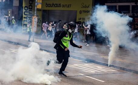 Proteste la Hong Kong din cauza legii securităţii naţionale. Poliţia a intervenit cu gaze lacrimogene