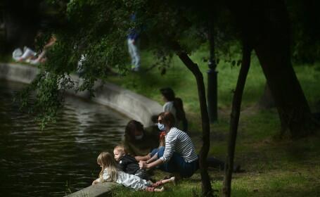 Bucureștenii, în Parcul Cișmigiu, după instituirea stării de alertă la nivel național
