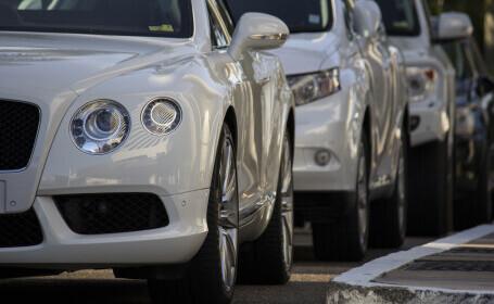 Percheziții în mai multe județe, la o grupare care fura mașini de lux din străinătate și le înmatricula în România