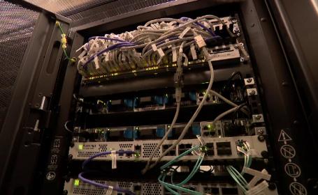 Sute de companii internaționale își păstrează bazele de date în România. Care e motivul