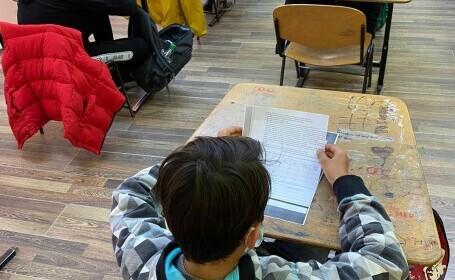 """Campania """"Pierduți în teleșcoală"""". Școala românească ar trece cu greu clasa din cauza numeroaselor probleme"""