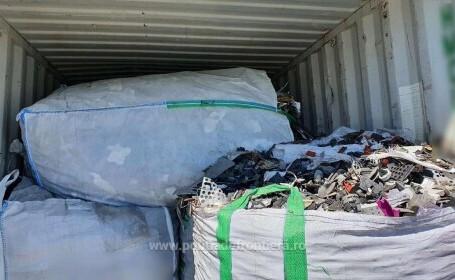 FOTO. Alte 15 containere cu deșeuri din Germania au fost descoperite în Portul Constanța