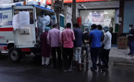 Ambulanță în India