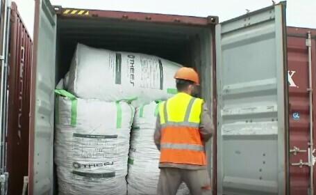 Sute de tone de deșeuri au fost descoperite în Portul Constanța