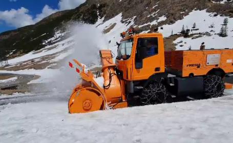 Zăpadă pe Transfăgărășan