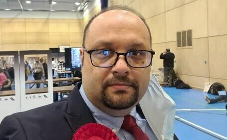 Un profesor de matematică din România, de etnie romă, a ajuns consilier local în Anglia