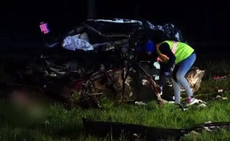 Trei bărbați au murit după ce s-au răsturnat cu o mașină de lux. Participaseră la o petrecere