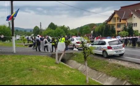 O femeie și băiatul ei, adolescent, au fost uciși în curtea unei biserici din Argeș, de fostul ei iubit