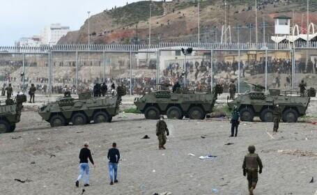 Spania a trimis armata în Ceuta. Mii de migranţi au ajuns înot în exclava spaniolă