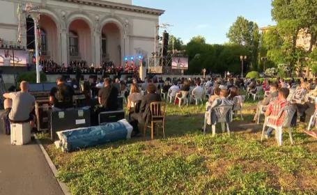 Spectacolul-pilot de la Opera Națională a adunat 300 de persoane, deși erau așteptate 500. Masca opțională a fost obligatorie