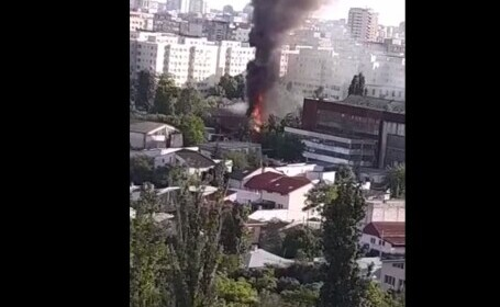 Incendiu lângă Arena Națională. Pompierii au intervenit cu mai multe autospeciale