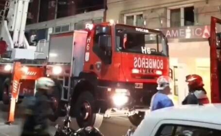 VIDEO. Incendiu într-un hotel din Argentina. Un fotbalist a sărit pe fereastra unei camere de la etajul 11